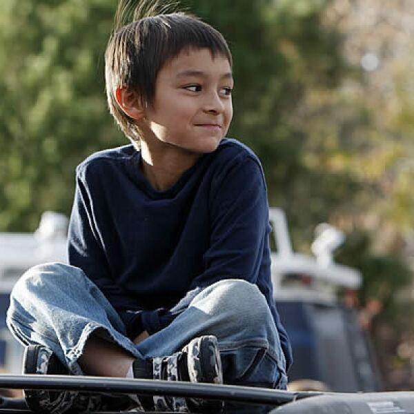 Falcon Heene, de 6 años, causó el jueves la frenética cacería de un globo en el que supuestamente viajaba a la deriva, atrayendo a decenas de medios de comunicación que informaron del hecho… que ahora se sospecha podría haber sido montaje de sus padres.
