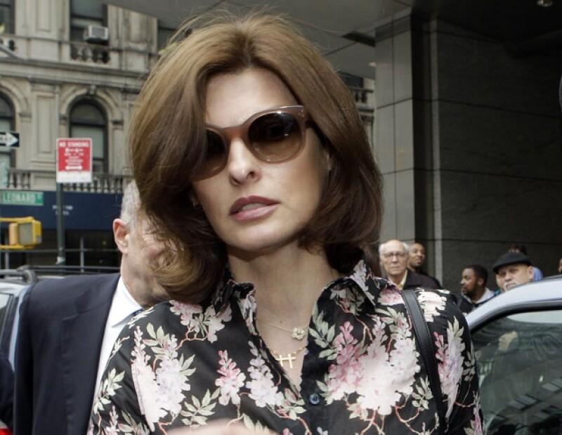 La supermodelo continúa su pleito legal por la manutención de su hijo, a quien tuvo con el ahora esposo de la actriz Salma Hayek.