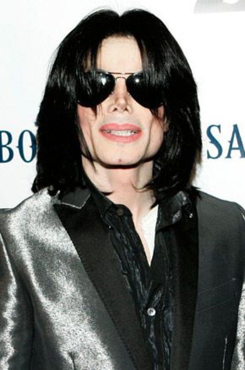 El Rey del Pop ha grabado en secreto más de 100 temas que serán entregados a sus tres hijos y que serán sacados solamente después de que el cantante haya muerto.