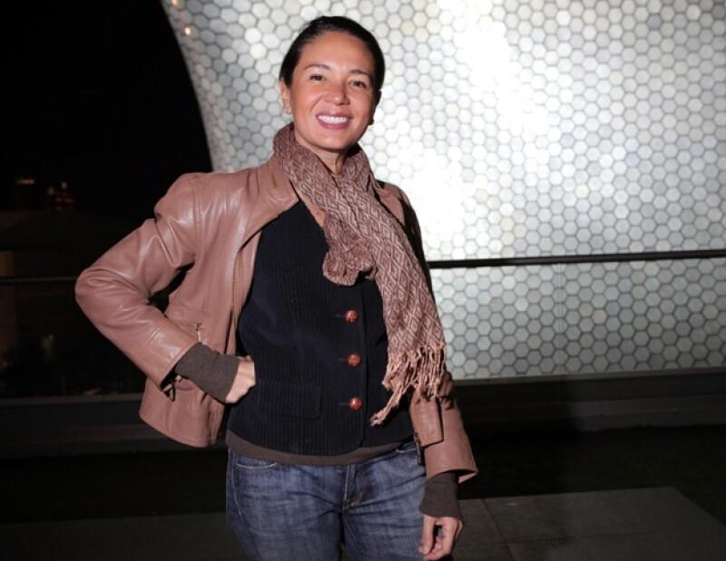Yolanda Andrade produce la película Siete Años de Matrimonio.