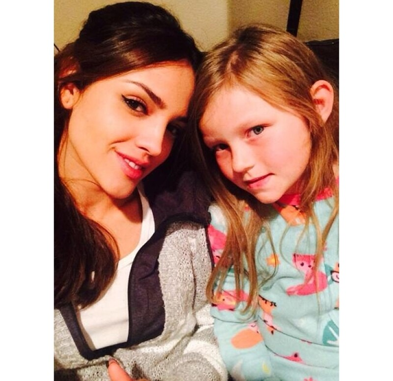 Eiza compartió una foto en Twitter con esta pequeñita.