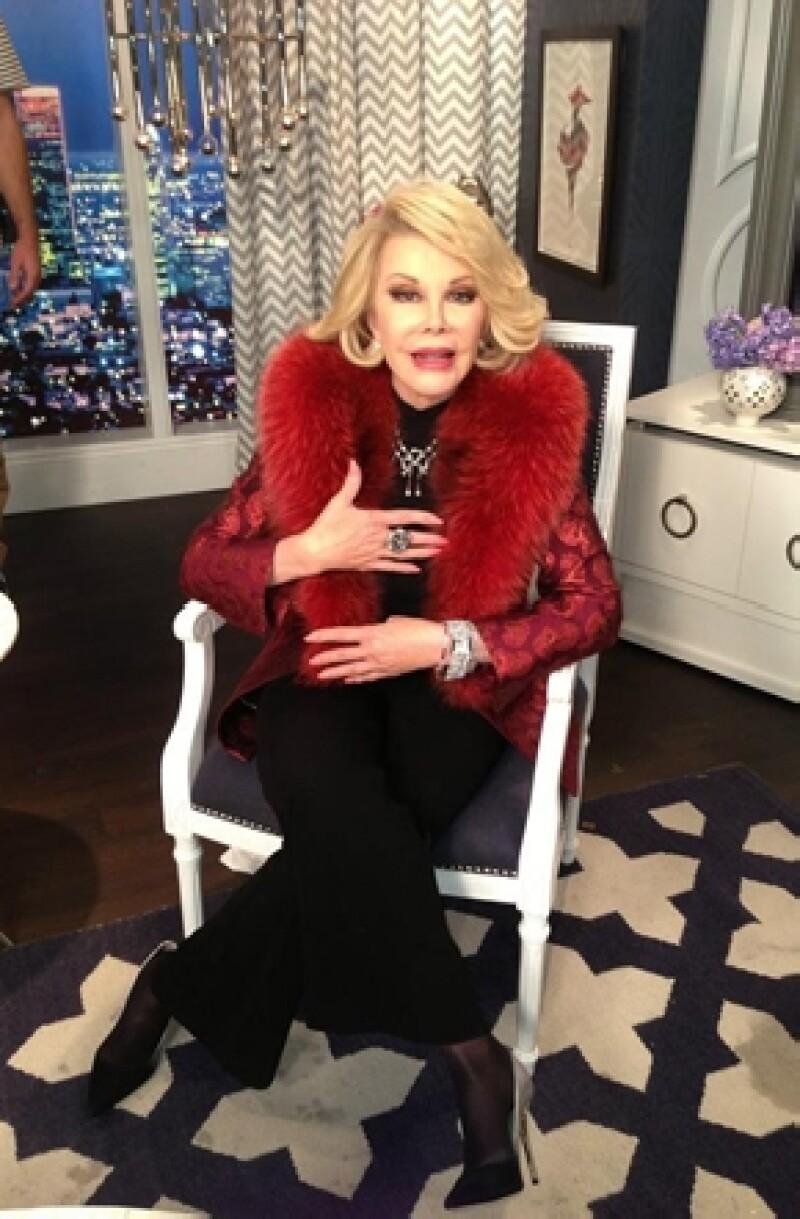 En la edición especial del famoso programa de moda que lideraba Joan Rivers, su hija informó que tras una pausa &#39Fashion Police&#39 volverá a la televisión el próximo año.