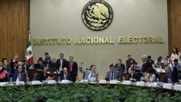 La multa fue aprobada unánimemente por los consejeros del INE. (Foto: Cuartoscuro)