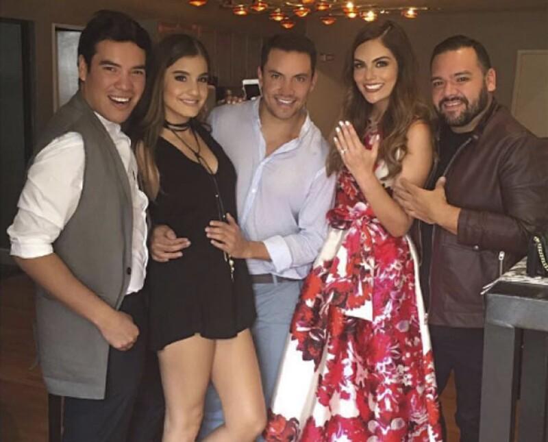 El diseñador Benito Santos es un gran amigo de la ex Miss Universo.