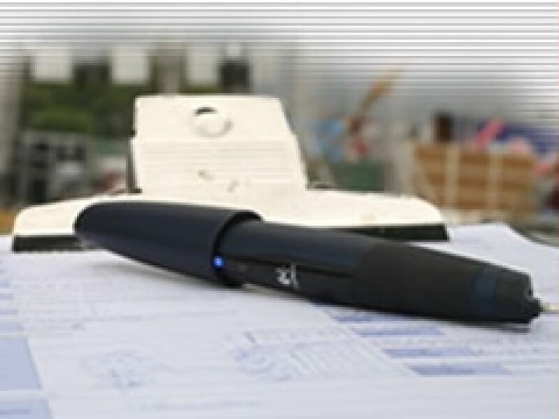 La pluma digital envía los datos escritos vía Internet (Foto: Cortesía Grupo Consult)