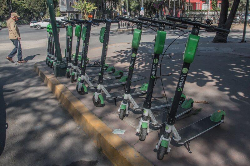 Scooters - movilidad - ciudad