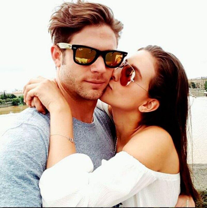 La pareja continúa su tour por Europa; después de ver sus posts no hay duda de que cada día están más enamorados.