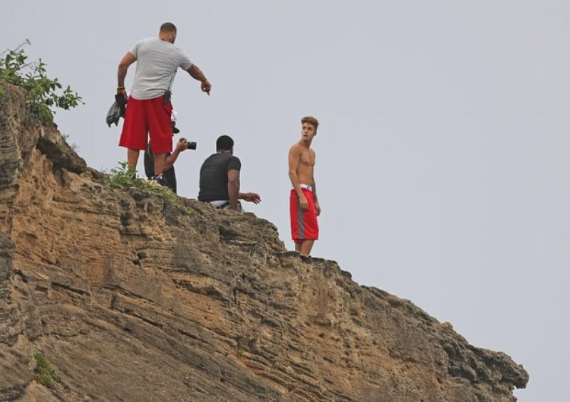 Justin viajó a Hawaii donde se le captó realizando una actividad poco común.