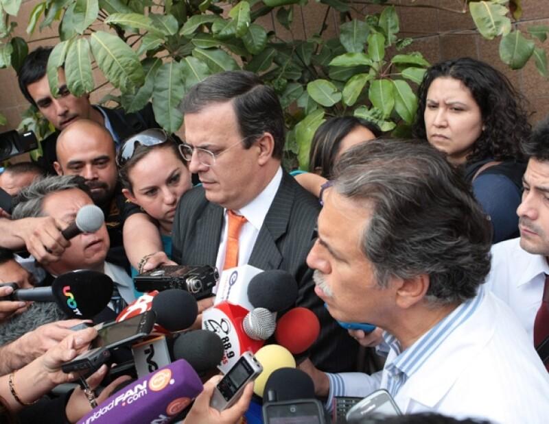 La familia del prolífico escritor mexicano, quien falleció a los 83 años de edad, aún no ha decidido si será velado en Gayosso de Félix Cuevas o en el que fuera su domicilio, en San Jerónimo.