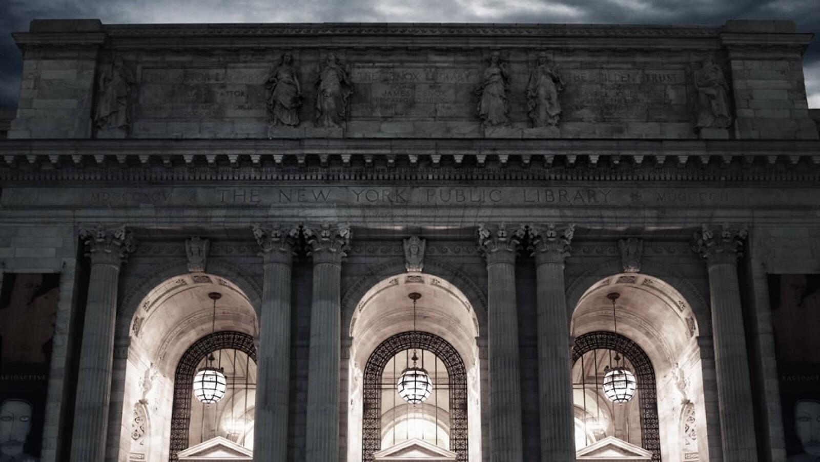 Por 50,000 dólares podrás rentar uno de los salones dentro de la histórica Biblioteca Pública de Nueva York con capacidad para 425 invitados