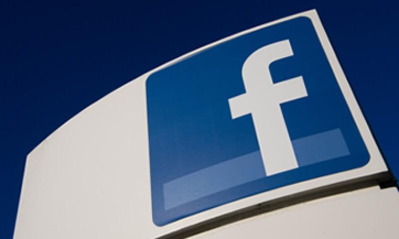 Facebook aumentó sus ingresos debido a un avance de la publicidad en el segmento de telefonía móvil. (Foto: Getty Images)