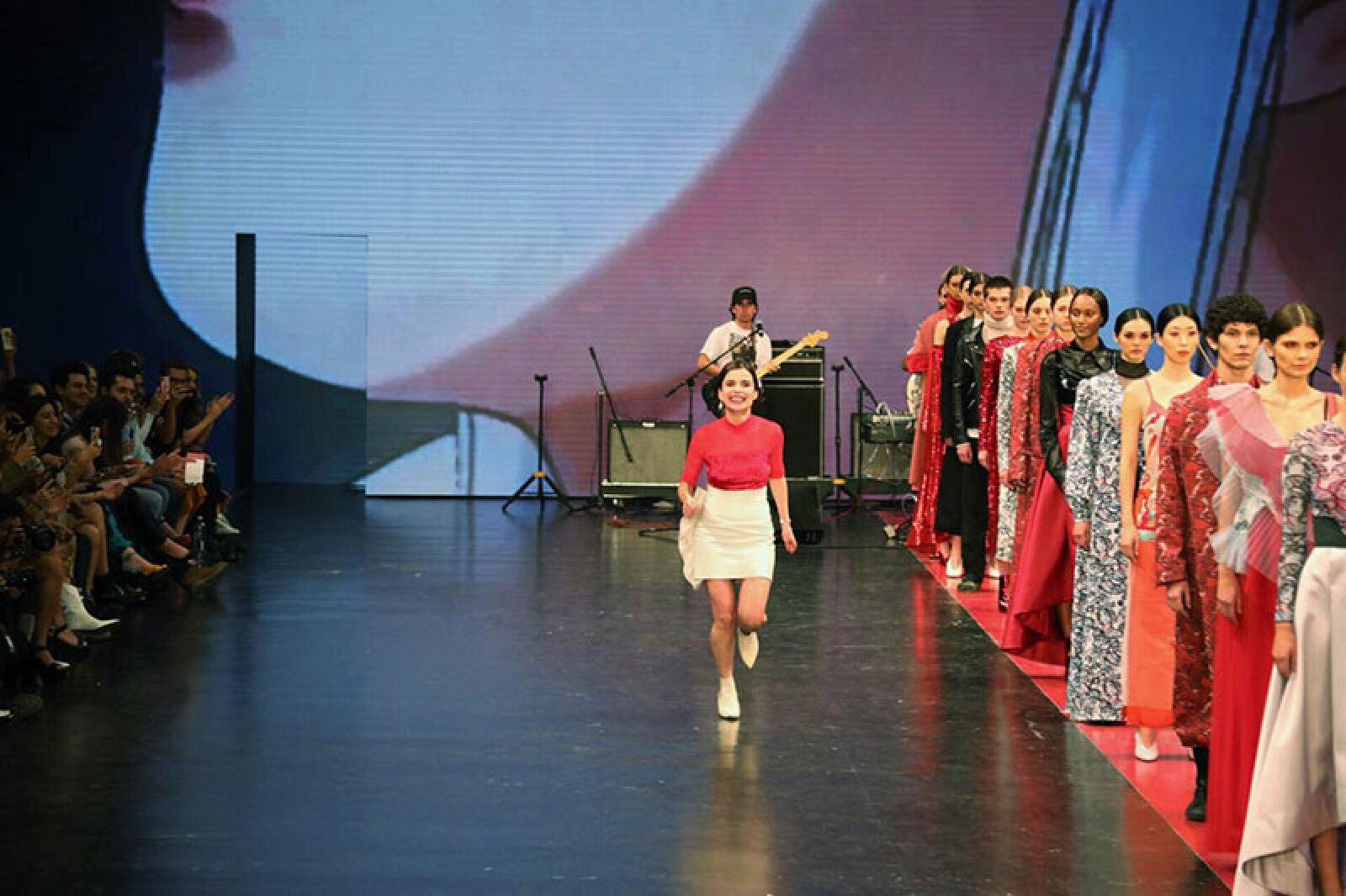 Desfile-Alexia-Ulibarri-MBFWM-Fashion-Designer-on-the-catwalk