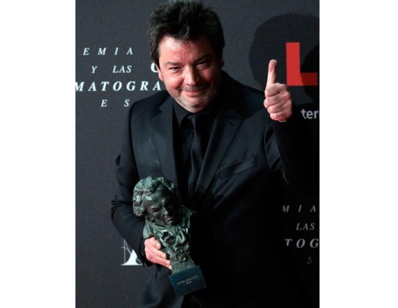 """Urbizu fue el gran triunfador de la noche con """"No habrá paz para los malvados"""", que se llevó seis premios Goya. Pedro Almodóvar se quedó sólo con cuatro galardones de las 16 nominaciones."""