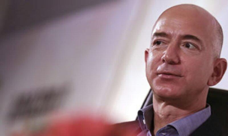 El CEO de Amazon incluyó el hashtag #sendDonaldtospace para promover uno de sus cohetes. (Foto: EFE)