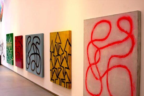 Estos son sólo alguno de los cuadros que presentan en su galería.