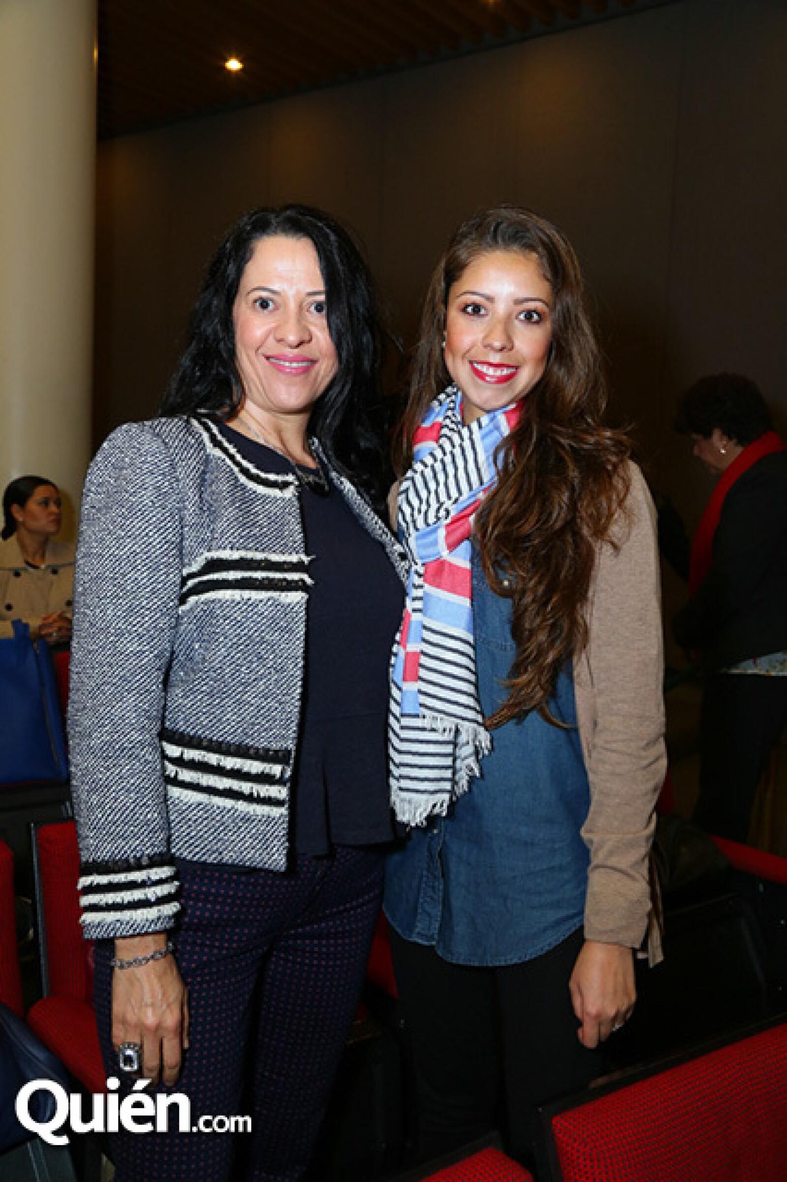 Adriana Lizarraga y Mariana Gómez