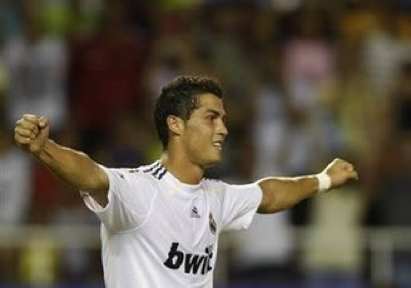 El contrato de Cristiano Ronaldo con el Real Madrid establece que debe dar 40% de lo que gane en publicidad al Club. (Foto: AP)