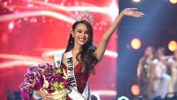 Sin gota de maquillaje se dejó ver la ganadora de Miss Universo 2018.