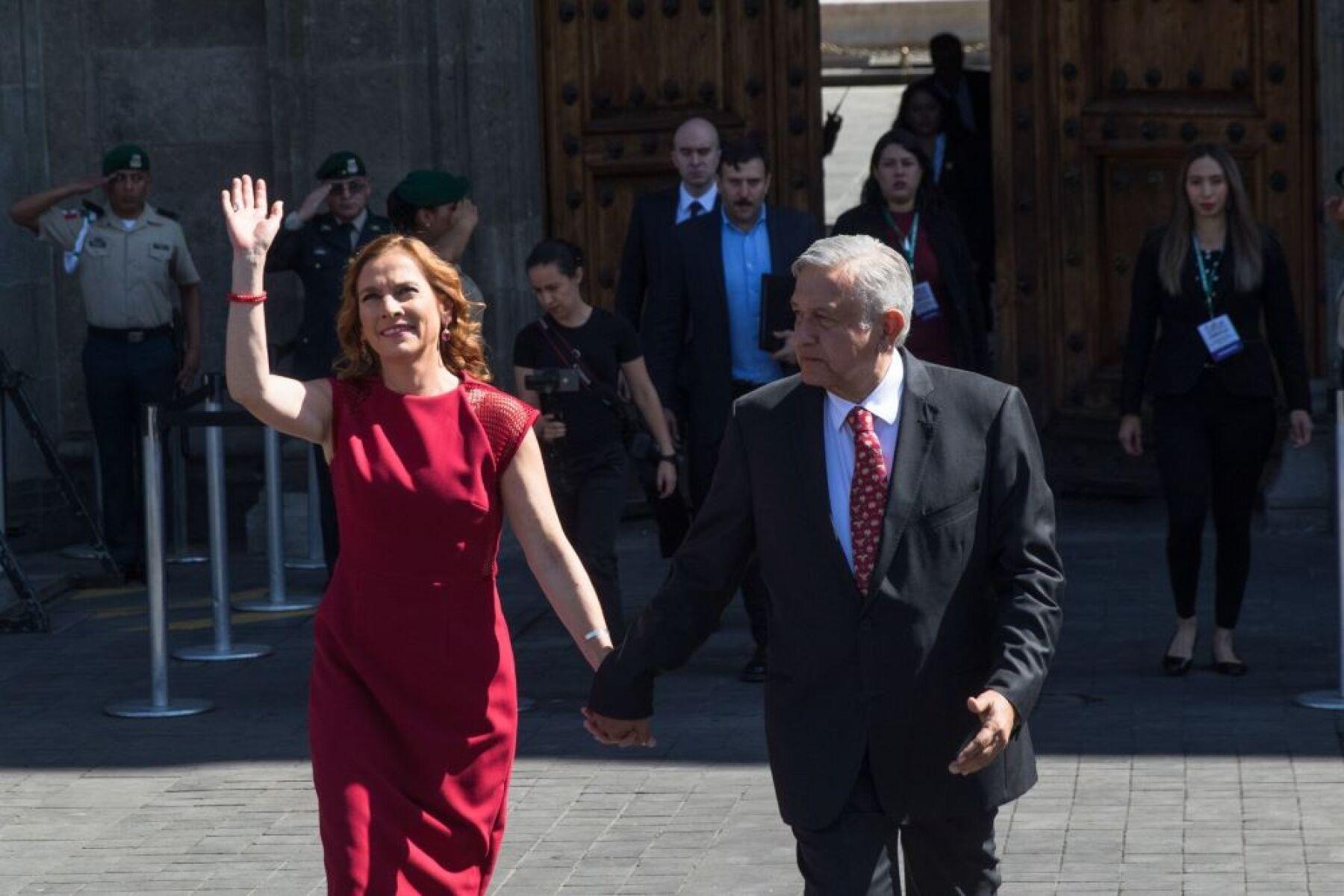 Beatriz Gutiérrez Müller y Andrés Manuel López Obrador.jpeg