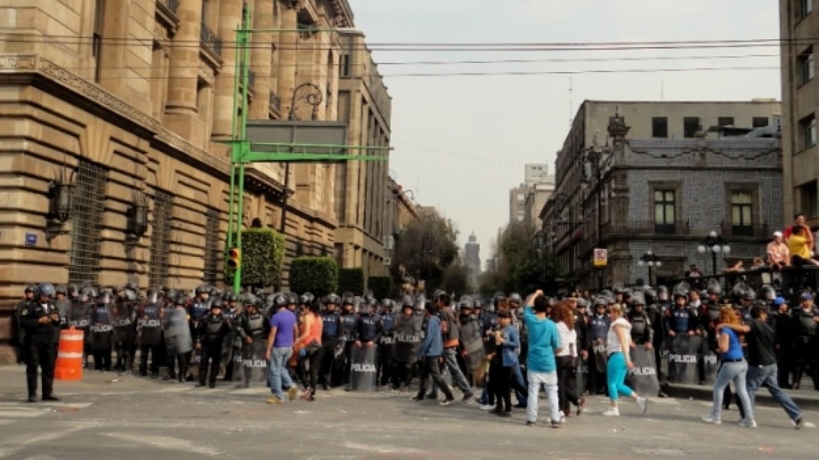 protesta _toma de posesión_ Peña 58