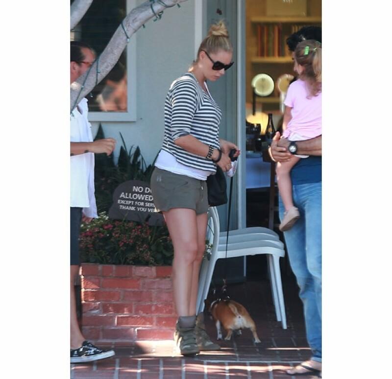 Heidi está en su semana 32 por lo que falta muy poco para que el primer hijo varón del actor llegue al mundo. La familia fue captada a la salida de un restaurante en la ciudad genuinamente felices.