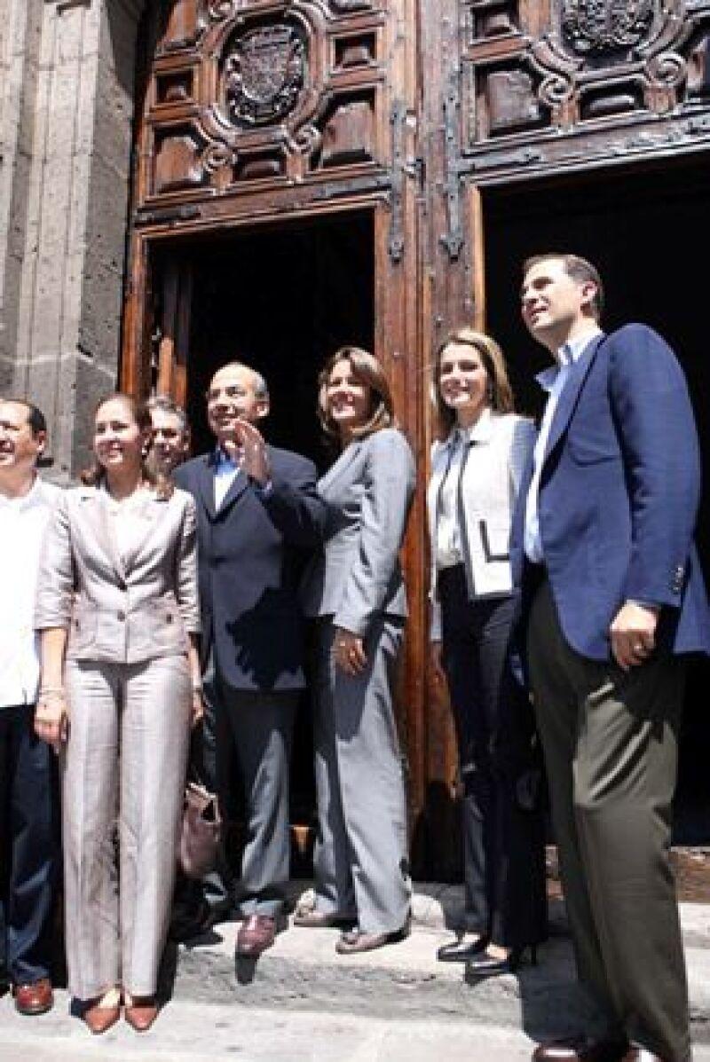 Letizia y Felipe también visitaron el Conservatorio de las Rosas, aquí en la foto oficial.