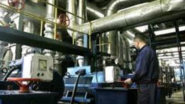 Los analistas esperaban un expansi�n de 0.6% en la producci�n industrial. (Archivo)