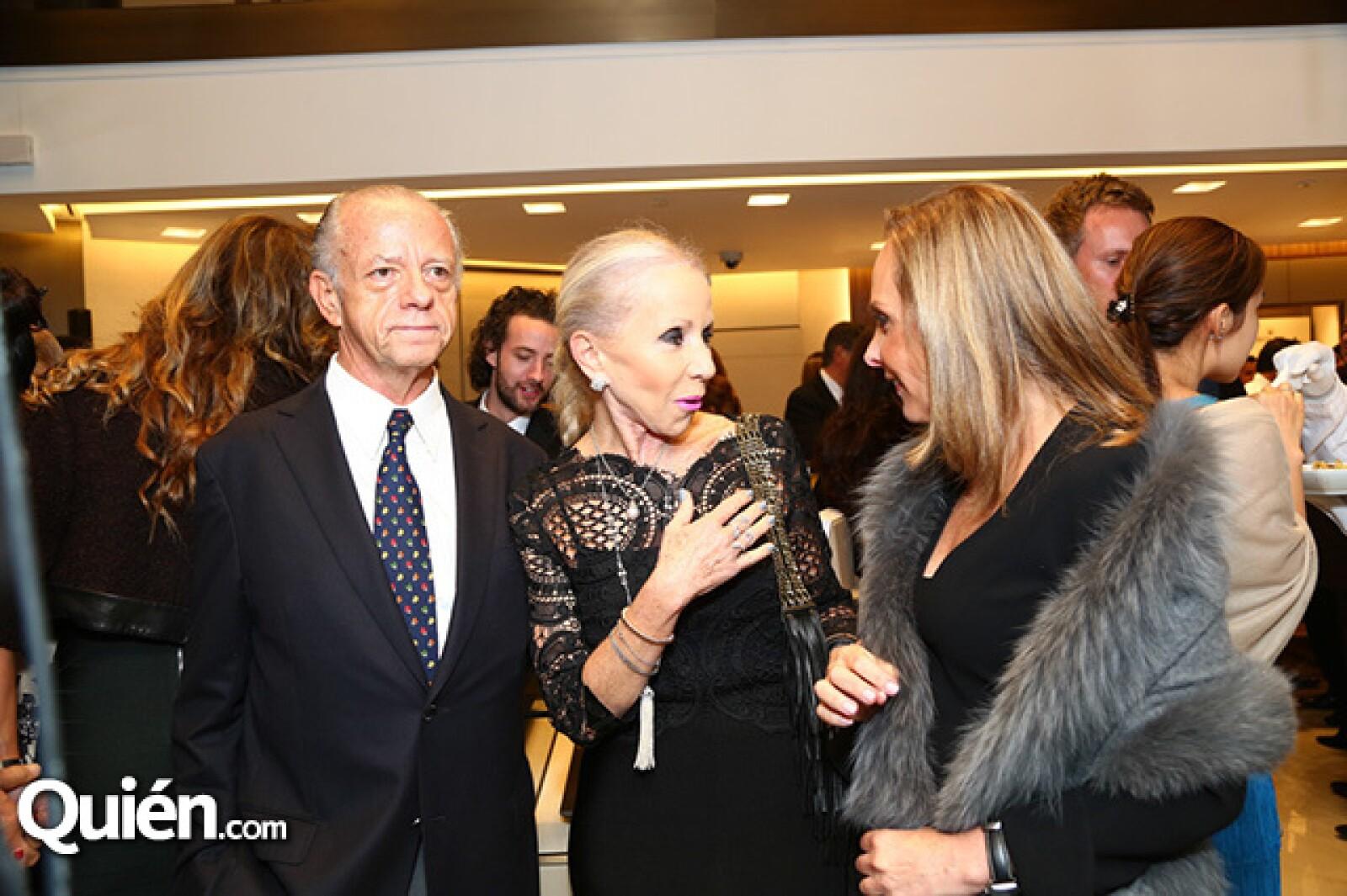 Rafael Alazraki,Becky Alazraki y Mónica Berger