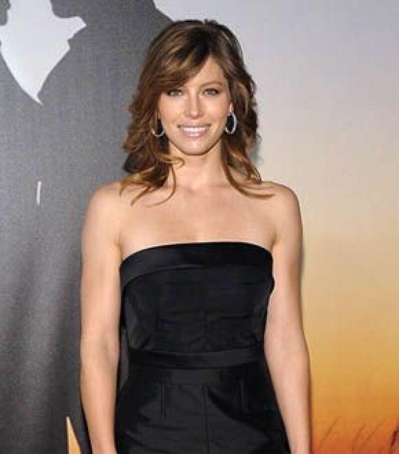 La actriz combina una buena nutrición con diversas actividades físicas.