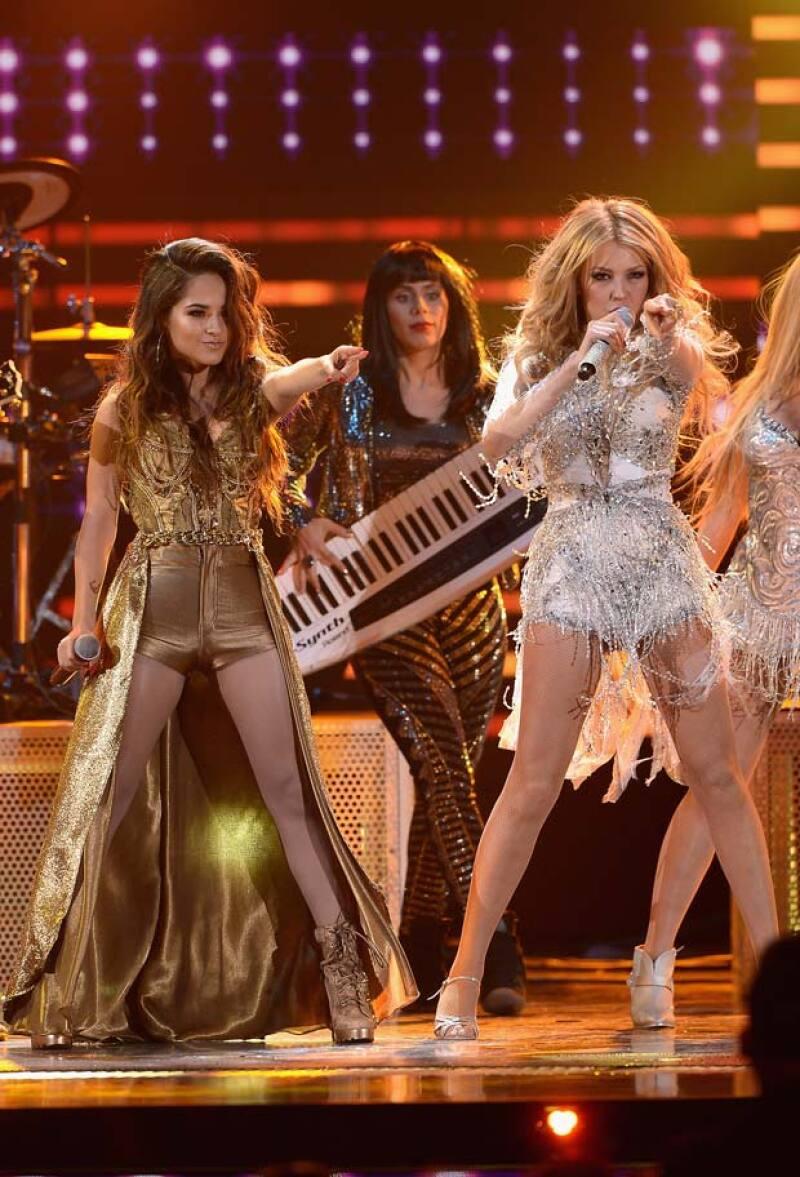 """La cantante tocó sin querer las partes íntimas de Becky durante una actuación en la que interpretaron el tema """"Como tú no hay dos""""."""