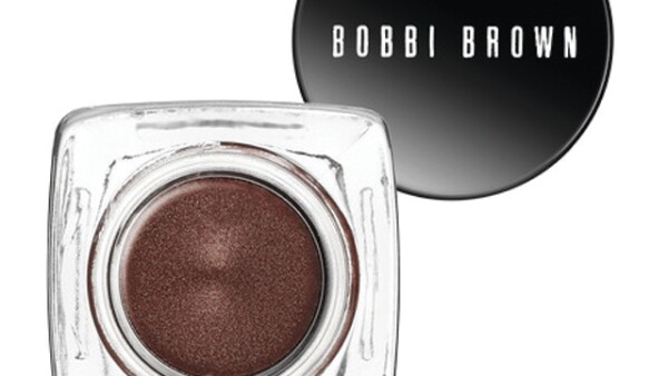 Bobbi Brown: Long Wear Cream Shadow. Sombra en crema que dura toda la noche sin desmancharse. 460 pesos. sephora.com.mx