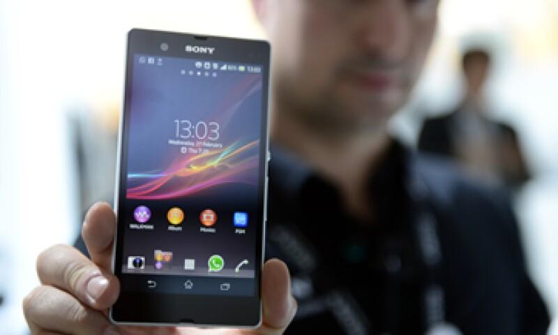 Para expandir sus ventas en Estados Unidos, Sony tendrá que formar mejores lazos con proveedores de telefonía. (Foto: AP)