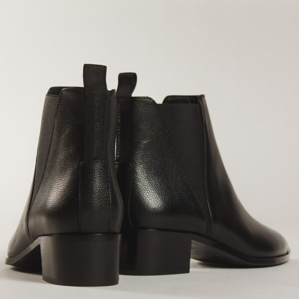 18. Acne Studios - JENSEN SMALLGRAIN BOOTS BLACK disponible en AMY y amoamy.com jpg.jpg