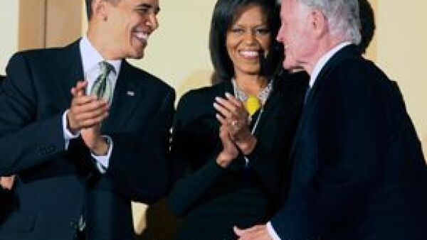 El demócrata fue honrado en el Centro Kennedy en un evento conducido por el comediante Bill Cosby; el presidente estadounidense y otras celebridades le cantaron &#39feliz cumpleaños&#39.