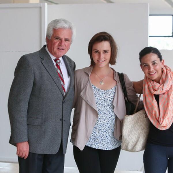 Javier Martínez,Isabel Cabrejas y Mariane Domínguez