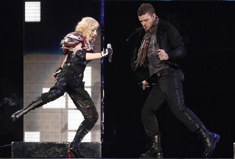 """Justin Timberlake y Madonna interpretaron sobre el escenario la canción """"4 minutes""""."""