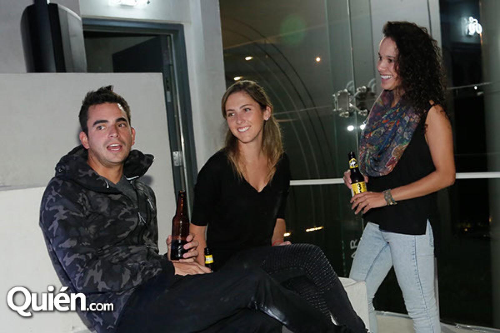 Rafael Rivero, Fernanda Rendón y Jimena García
