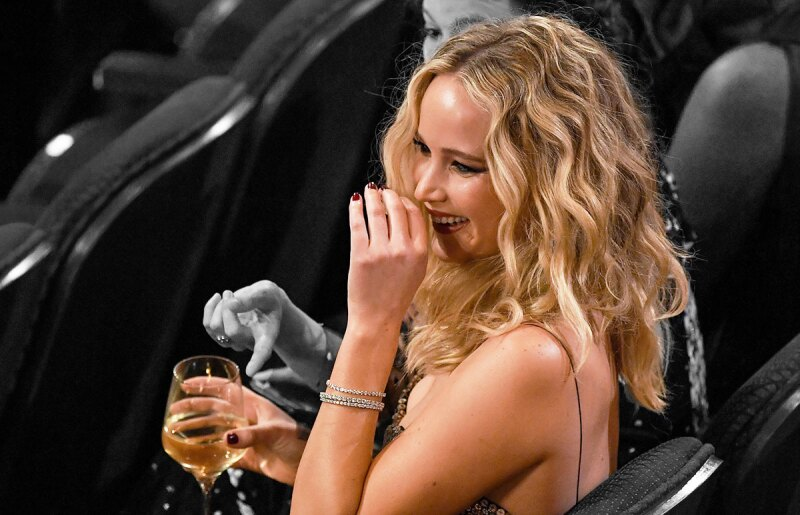 Jennifer-Lawrence-vino-for-dummies