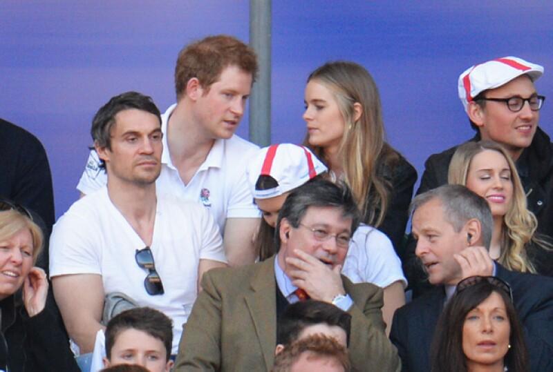 Cressida y el príncipe Harry, cuando tenían una relación, en marzo del año pasado en un partido en Londres.
