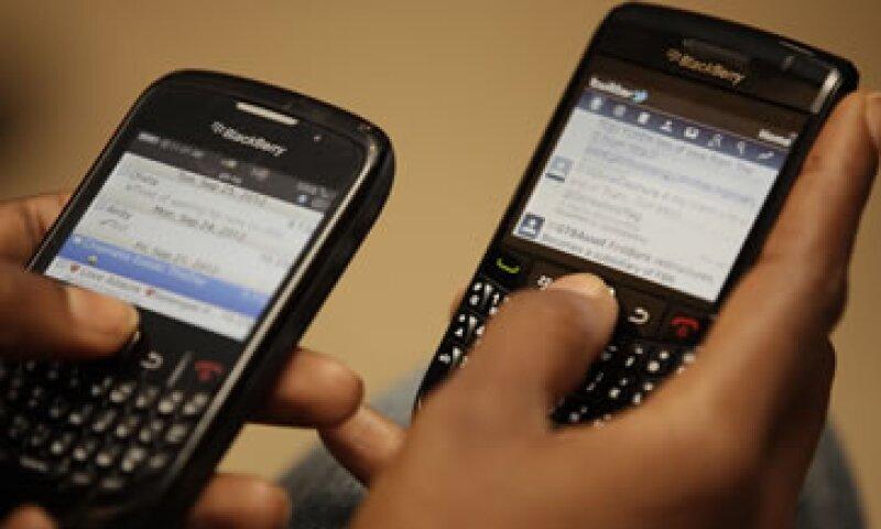 Ofrece una conexión simultánea entre datos y voz, lo que permitirá usar las dos herramientas de forma simultánea. (Foto: AP)