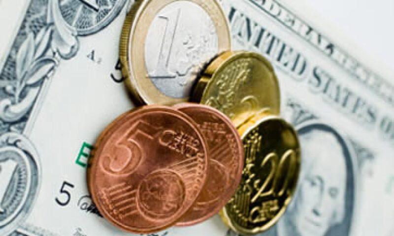 Para este miércoles se espera un tipo de cambio de entre 12.86 y 12.97 pesos por dólar. (Foto: Getty Images)