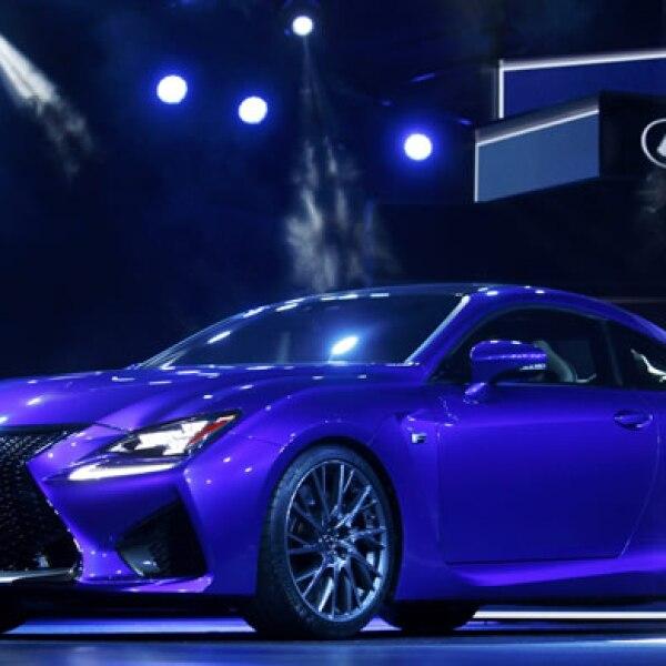 La marca japonesa Lexus presentó su nuevo deportivo coupé, basado en su modelo anterior RC.