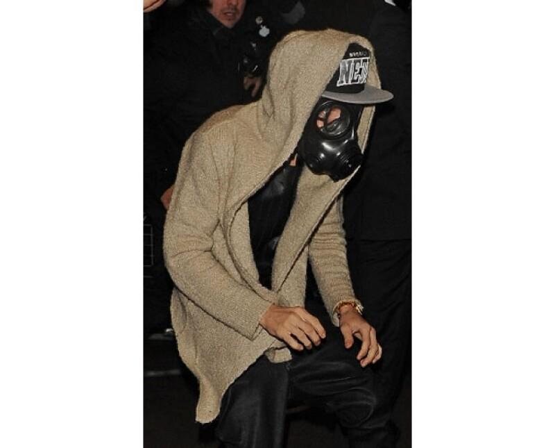Justin Bieber apareció con una máscara de gas, Timberlake crea polémica al parodiar el funeral de Hugo Chávez, Harry Styles revela nuevo tatuaje...