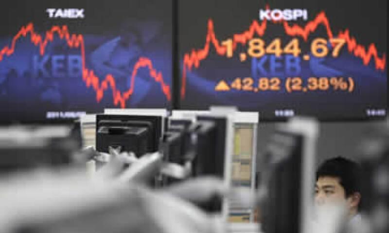 La volatilidad hará difícil la configuración de la política económica, dijo el organismo. (Foto: AP)