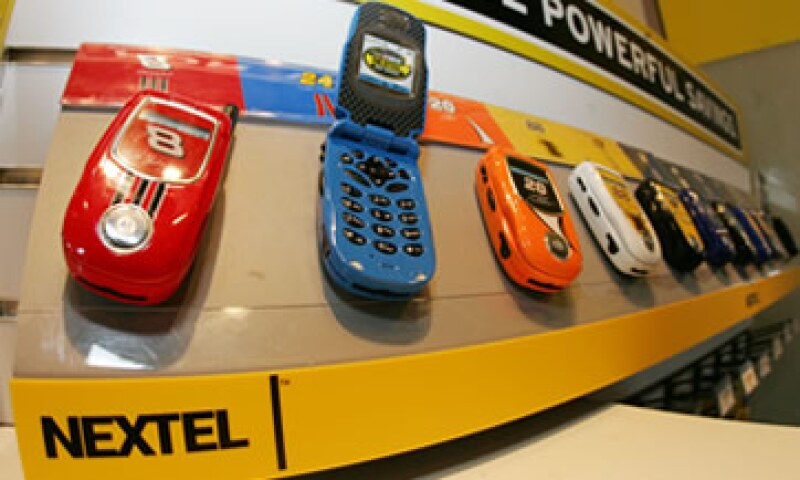 Nextel anunció recientemente que brindará el servicio de banda ancha móvil en Léon y Pachuca. (Foto: AP)