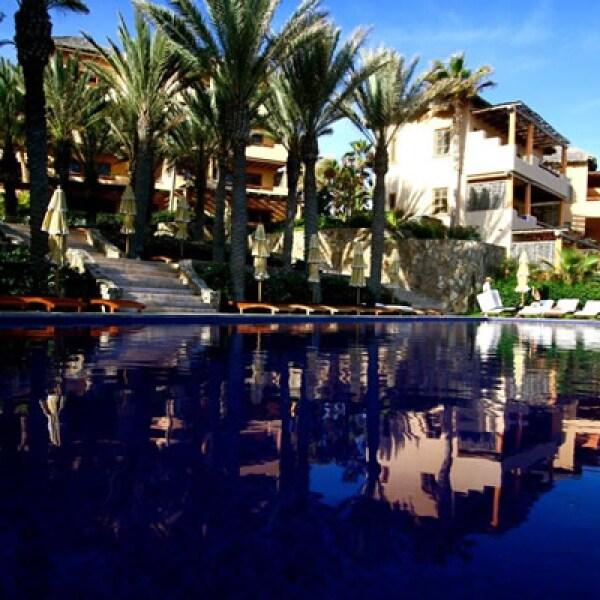El Hotel Esperanza cuenta con 50 casas con vista al mar y siete villas de lujo, que van desde los 85 hasta 278 m2 de espacio, con amplias terrazas al aire libre y vista al Mar de Cortés.