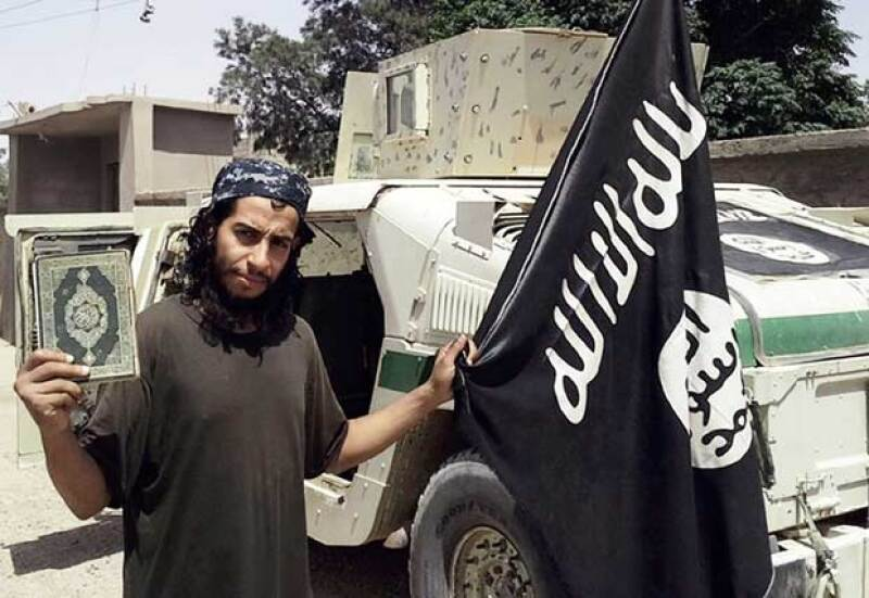 El fiscal francés informó en un comunicado que Amdelhamid Abaaoud murió durante la redada en Saint-Denis.