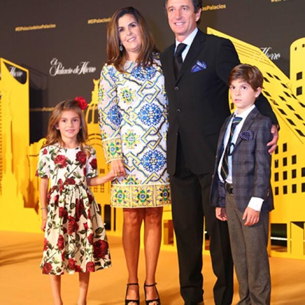 Tere Bailleres y Gonzalo Hevia con sus hijos Alejandra y Alberto Bailleres