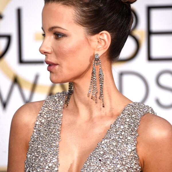 Kate Beckinsale impactó a todos con el chongo alto que llevó a la premiación. ¡De las más guapas de la noche!