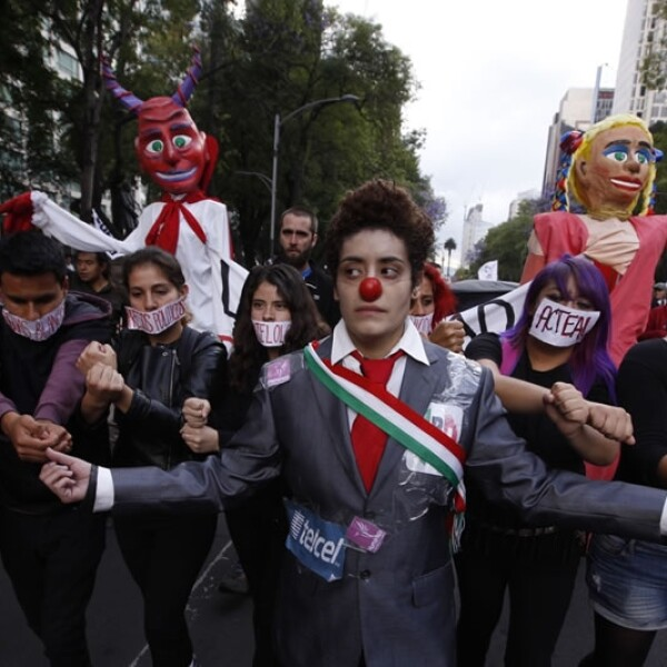 Ayotzinapa_marcha_6meses_7
